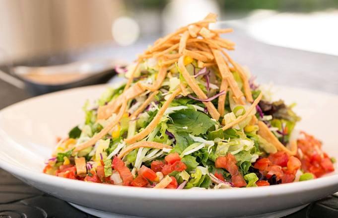 6-CCF-Social-Skinnylicious-Mexican-Tortilla-Salad-3-TheCheesecakeFactory